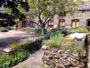 Coombe Farm Courtyard