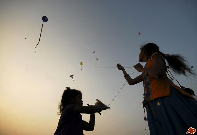 indian children kite flying